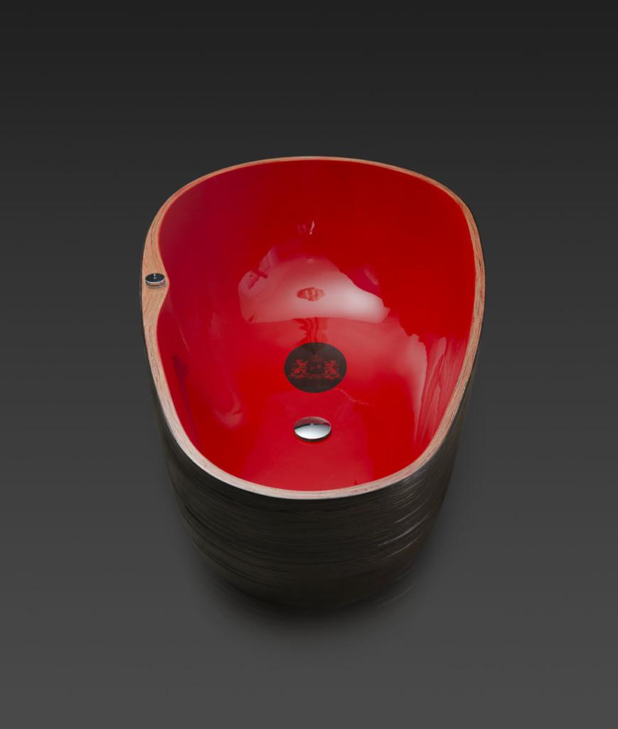 Bathtub red